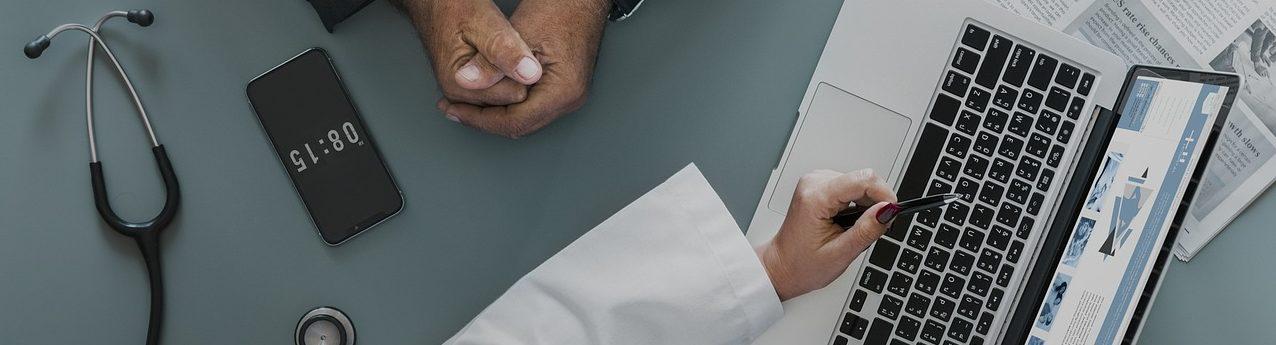 Comparer les frais de chaque contrat proposé par les assureurs